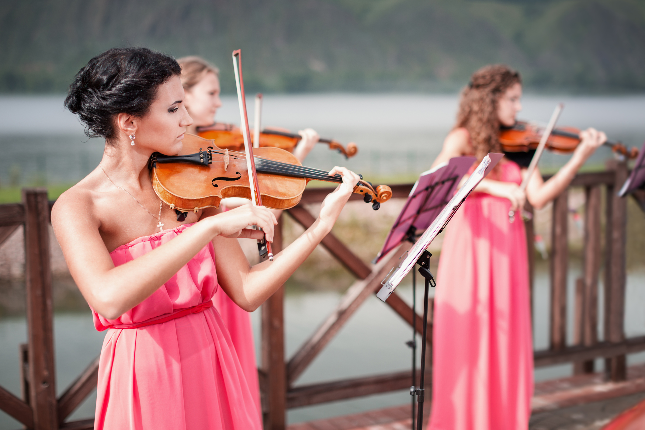 Your Perfect Wedding Ceremony Music By Mary Greiner Girls Plays Violin